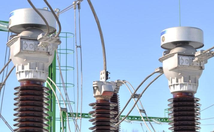Transformer station actuator